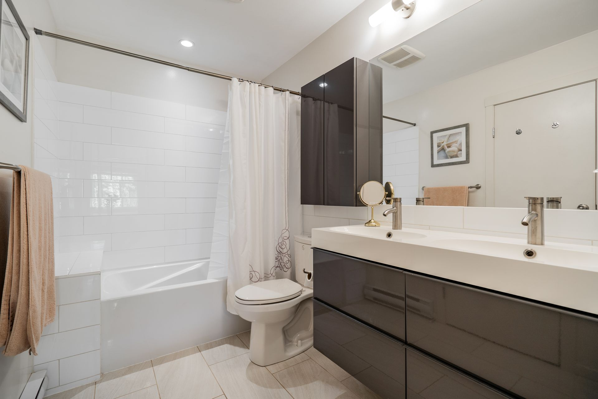 unit-17-900-17th-street-w-north-vancouver-31 at 17 - 900 W 17th Street, Mosquito Creek, North Vancouver