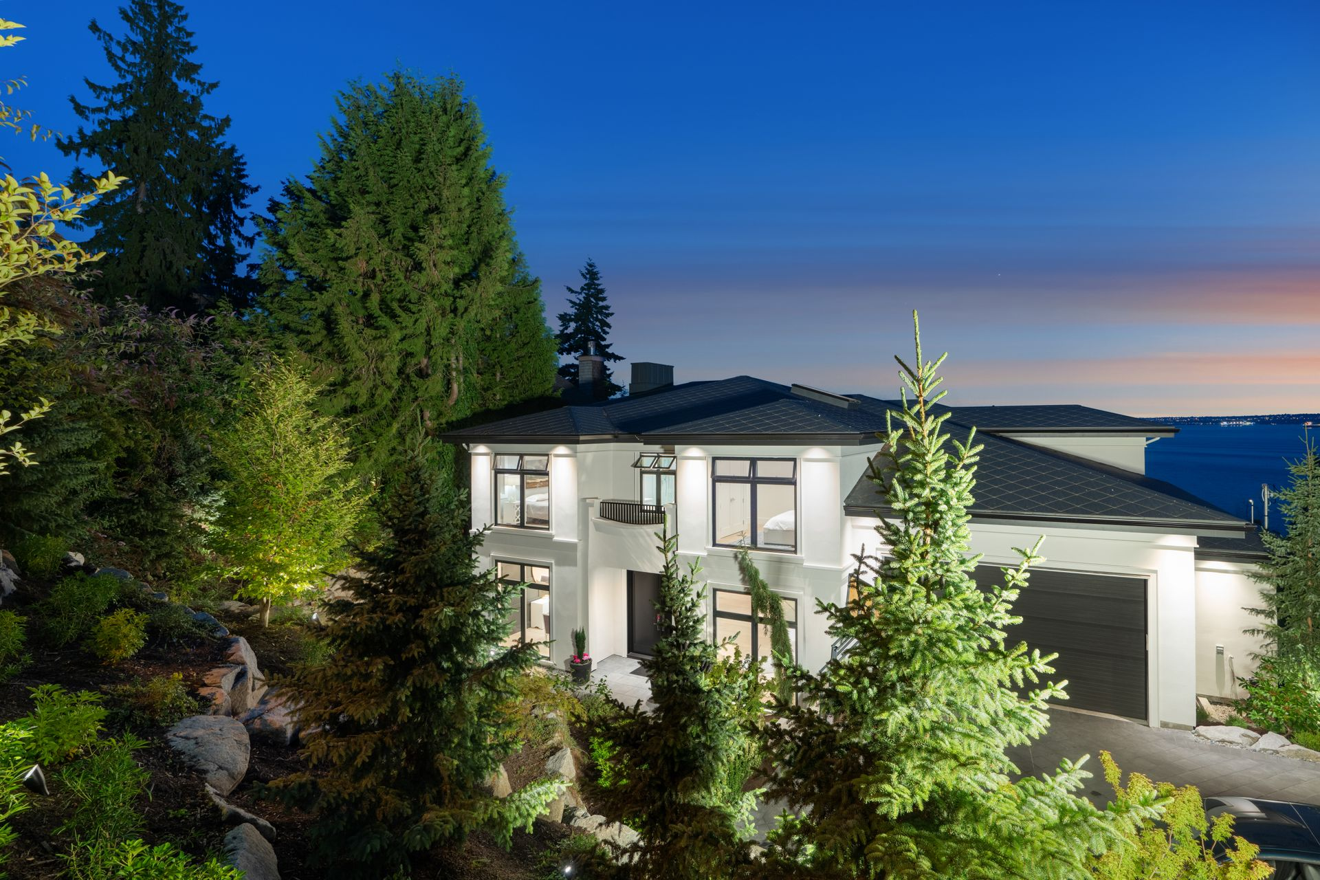 3690-creery-ave-33 at 3690 Creery Street, West Bay, West Vancouver