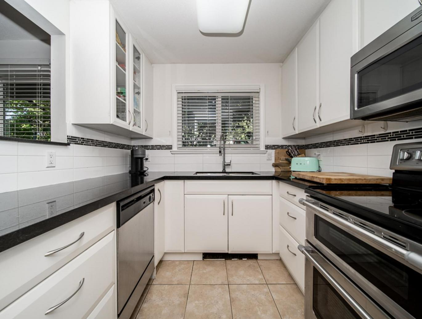 101 - 175 W 4th Street, Lower Lonsdale, North Vancouver 3