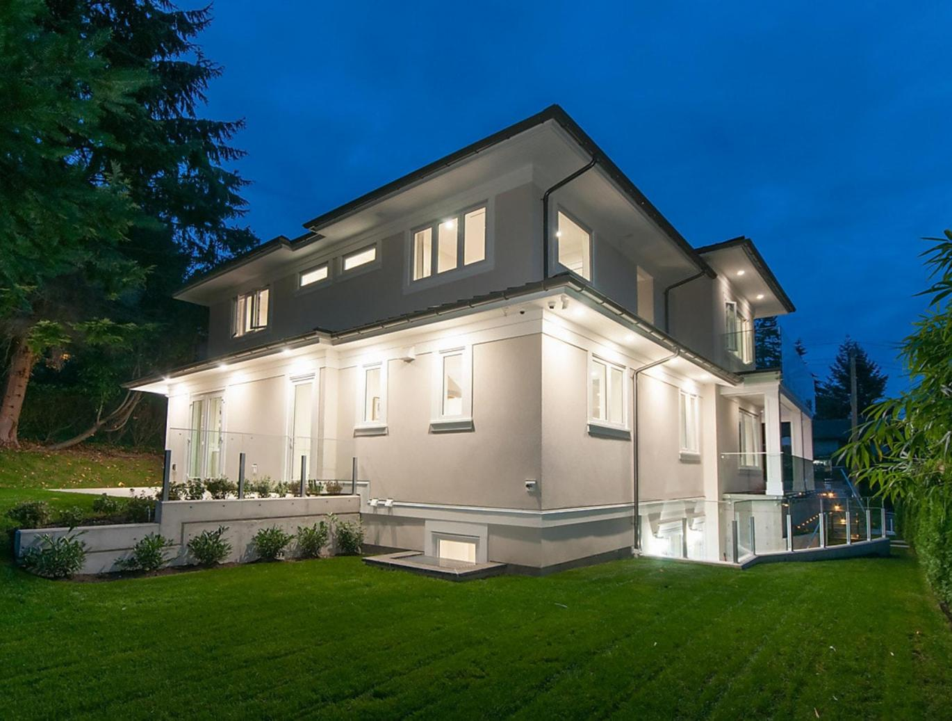 469 North Oxley Street, Westmount WV, West Vancouver 3