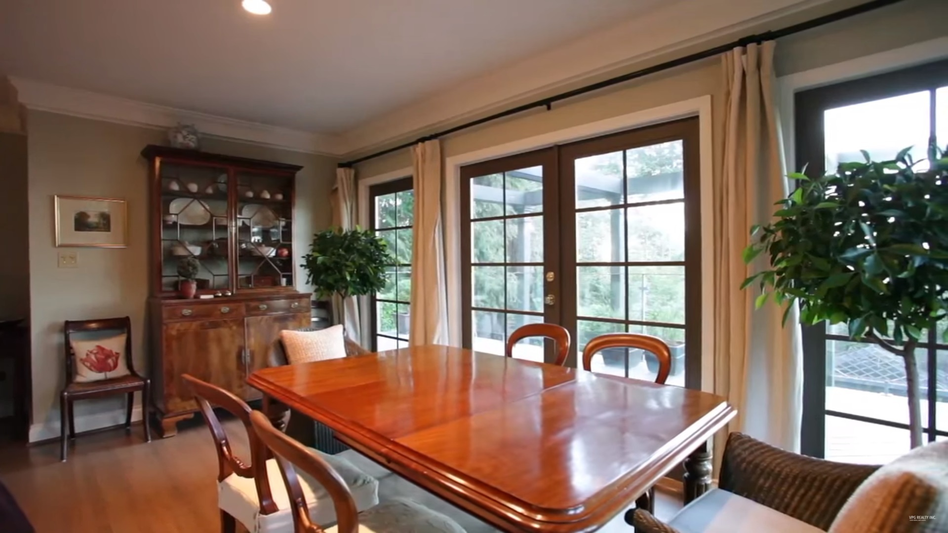 4 at 3542 Creery Avenue, West Bay, West Vancouver