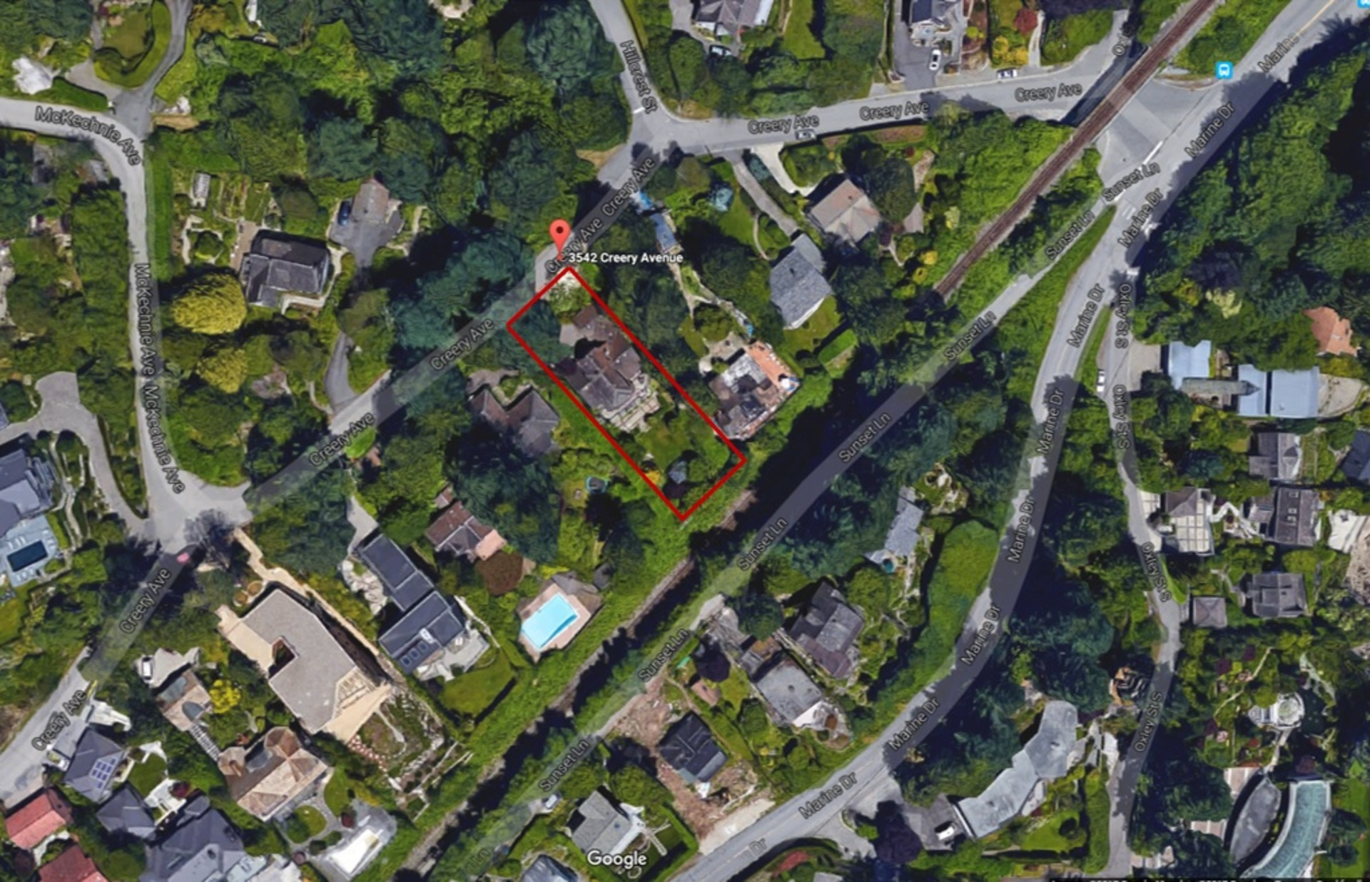 overhead at 3542 Creery Avenue, West Bay, West Vancouver