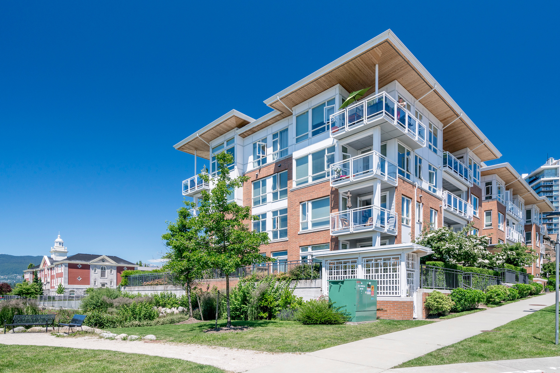 at 304 - 717 Chesterfield Avenue, Lower Lonsdale, North Vancouver
