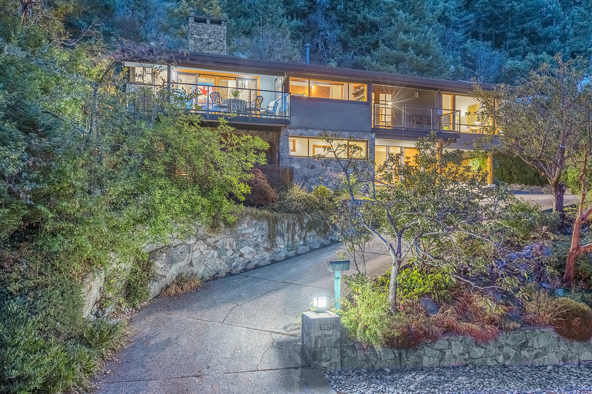 at 5821 Falcon Road, Eagleridge, West Vancouver