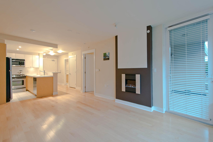 8 at 302 - 160 W 3rd Street, Lower Lonsdale, North Vancouver