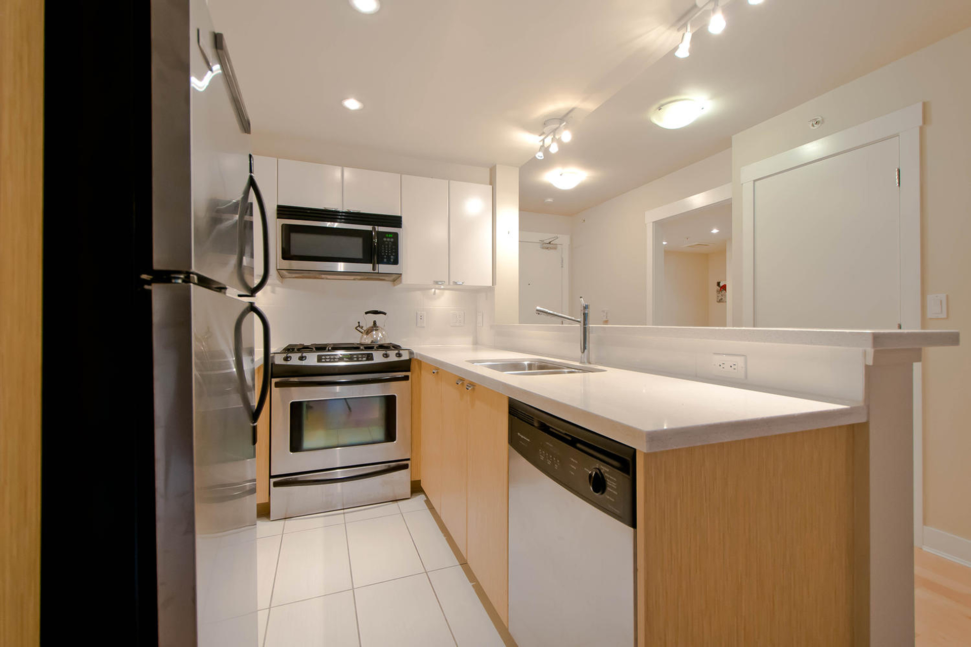 1-1 at 302 - 160 W 3rd Street, Lower Lonsdale, North Vancouver