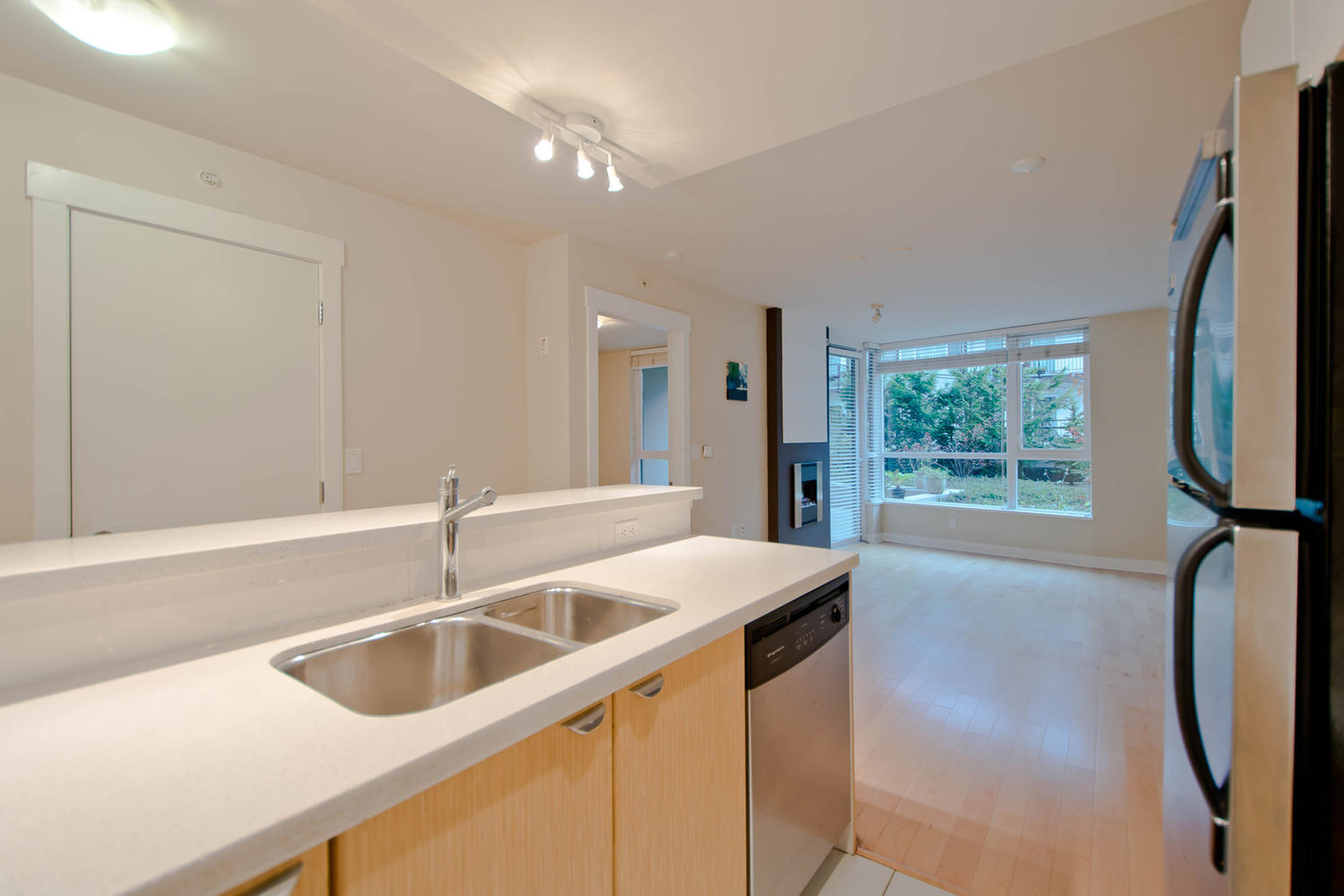 7 at 302 - 160 W 3rd Street, Lower Lonsdale, North Vancouver
