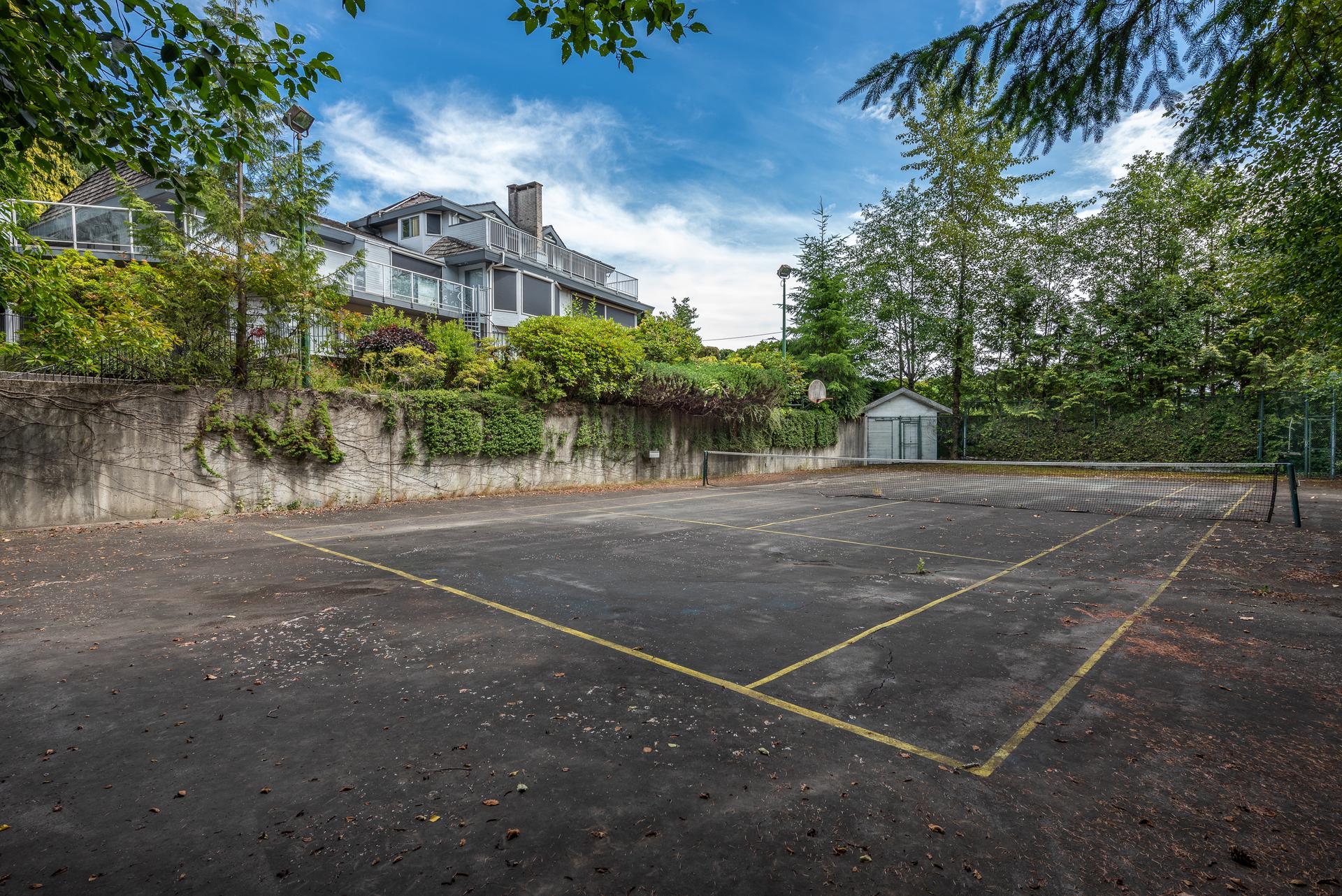 1046-eyremount-drive-west-vancouver-360hometours-22 at 1046 Eyremount Drive, British Properties, West Vancouver