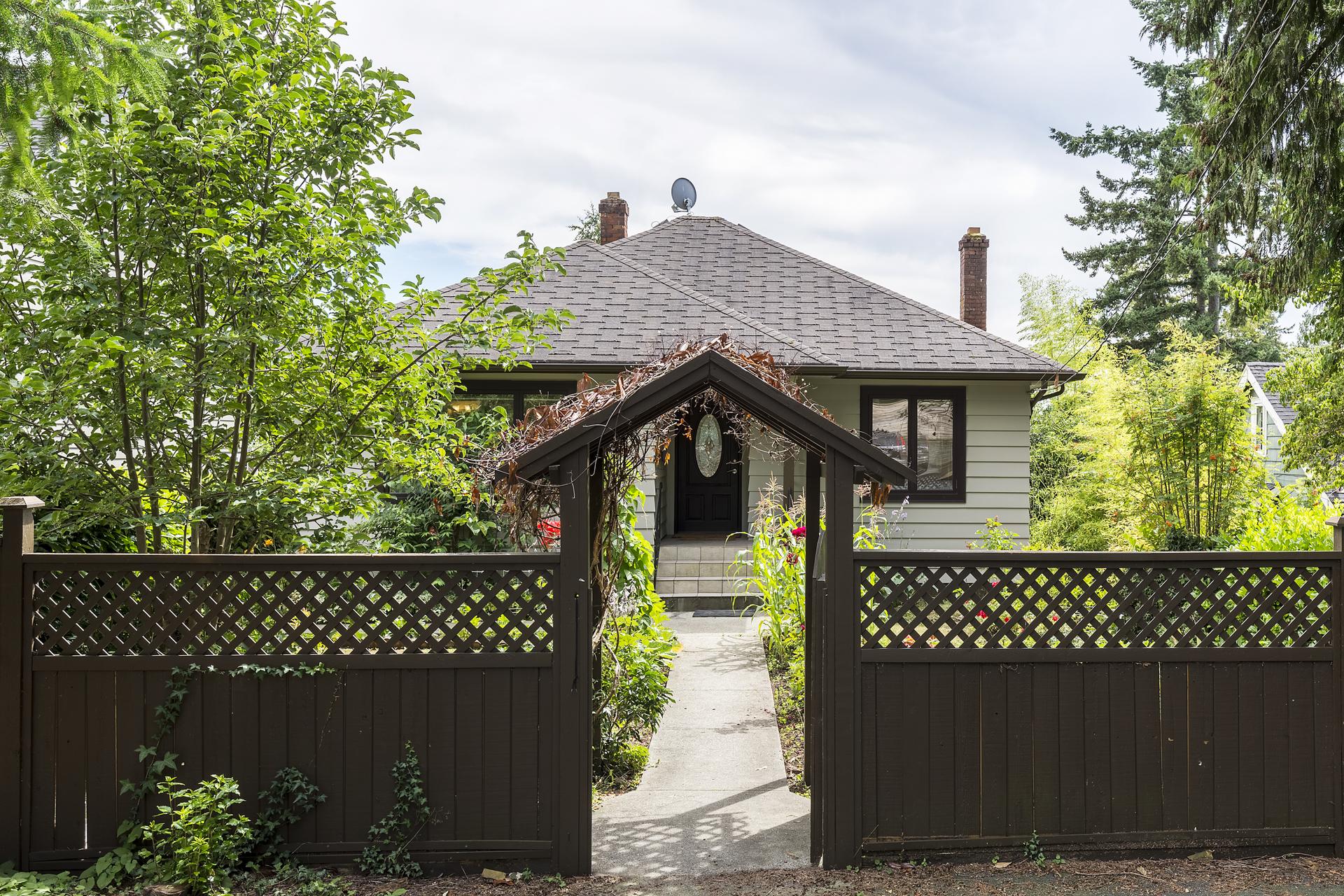 2062-haywood-ave-360hometours-1 at 2062 Haywood Avenue, Ambleside, West Vancouver