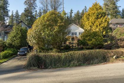 449-hillcrest-st-360hometours-01 at 449 Hillcrest Street, Westmount WV, West Vancouver