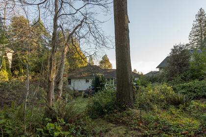 449-hillcrest-st-360hometours-07 at 449 Hillcrest Street, Westmount WV, West Vancouver