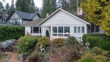449-hillcrest-st-aerial-360hometours-01 at 449 Hillcrest Street, Westmount WV, West Vancouver