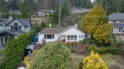 449-hillcrest-st-aerial-360hometours-03 at 449 Hillcrest Street, Westmount WV, West Vancouver