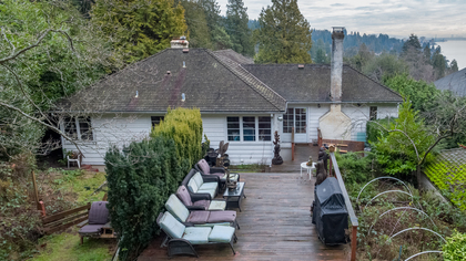 449-hillcrest-st-aerial-360hometours-12 at 449 Hillcrest Street, Westmount WV, West Vancouver