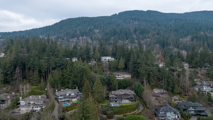 449-hillcrest-st-aerial-360hometours-28 at 449 Hillcrest Street, Westmount WV, West Vancouver