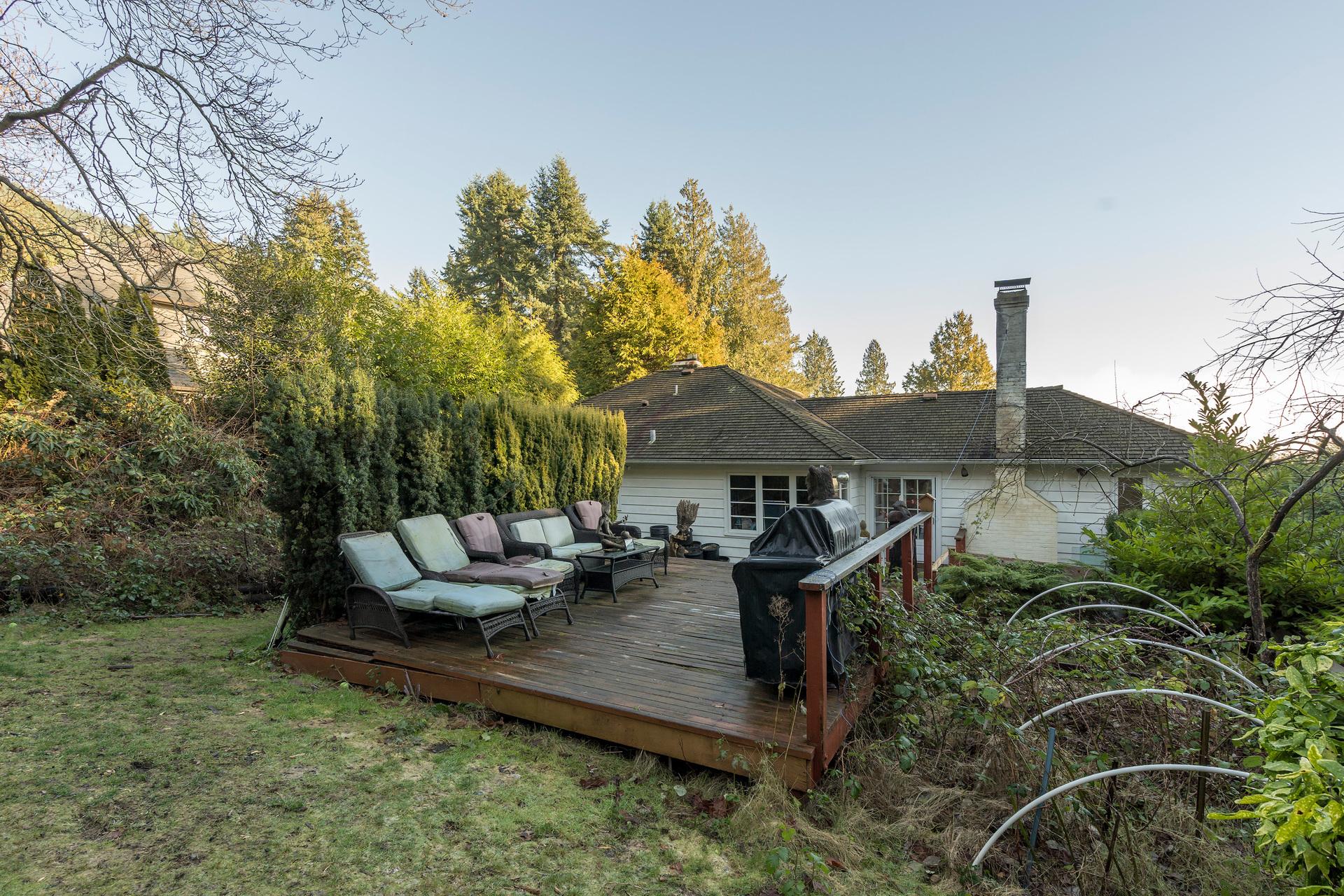 449-hillcrest-st-360hometours-13 at 449 Hillcrest Street, Westmount WV, West Vancouver