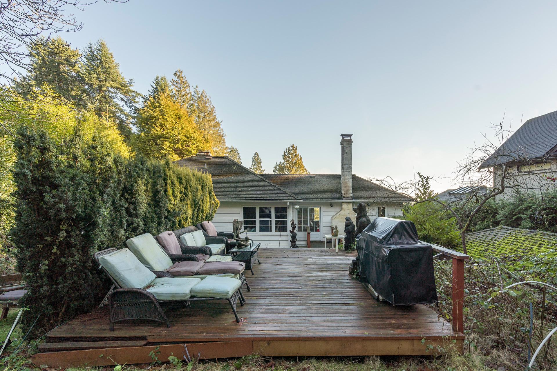 449-hillcrest-st-360hometours-14 at 449 Hillcrest Street, Westmount WV, West Vancouver