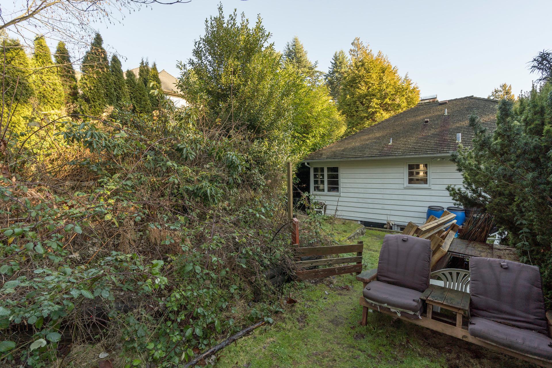 449-hillcrest-st-360hometours-16 at 449 Hillcrest Street, Westmount WV, West Vancouver