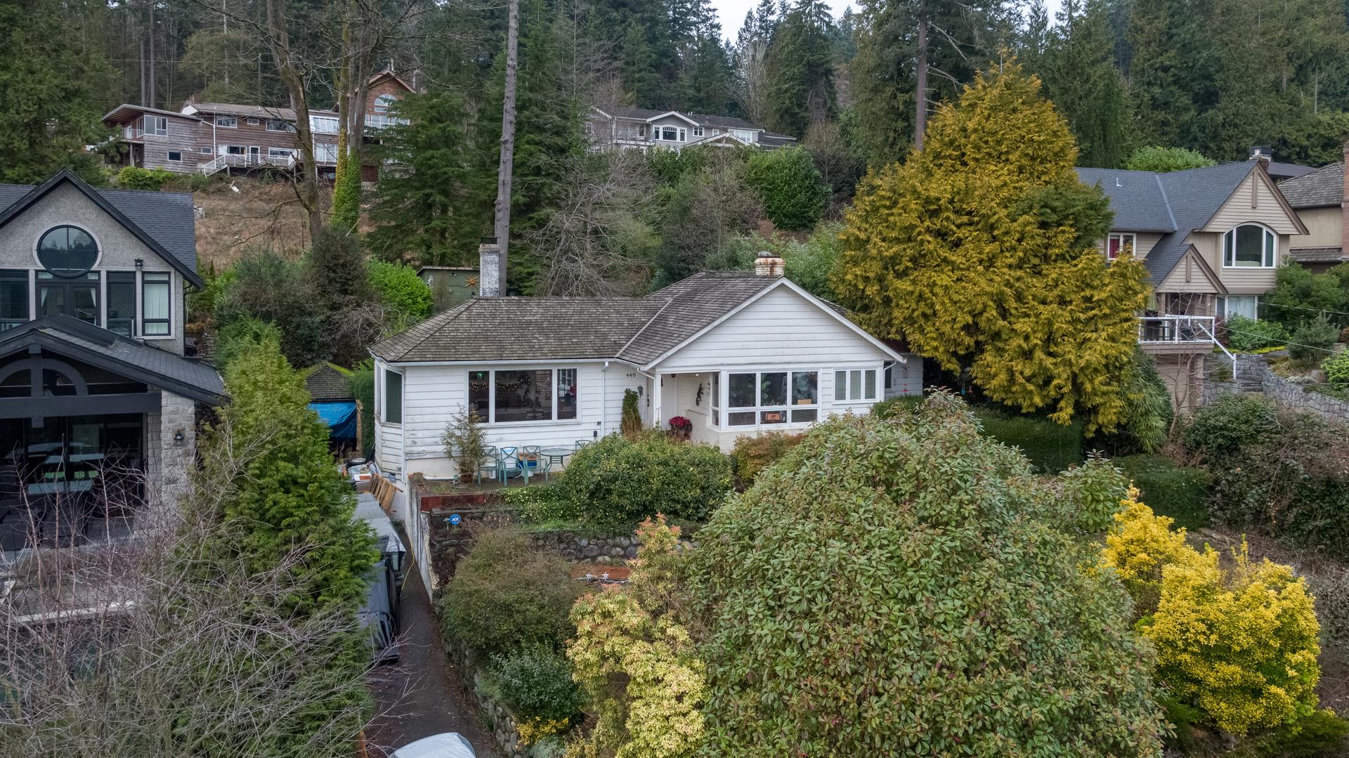 449-hillcrest-st-aerial-360hometours-04 at 449 Hillcrest Street, Westmount WV, West Vancouver