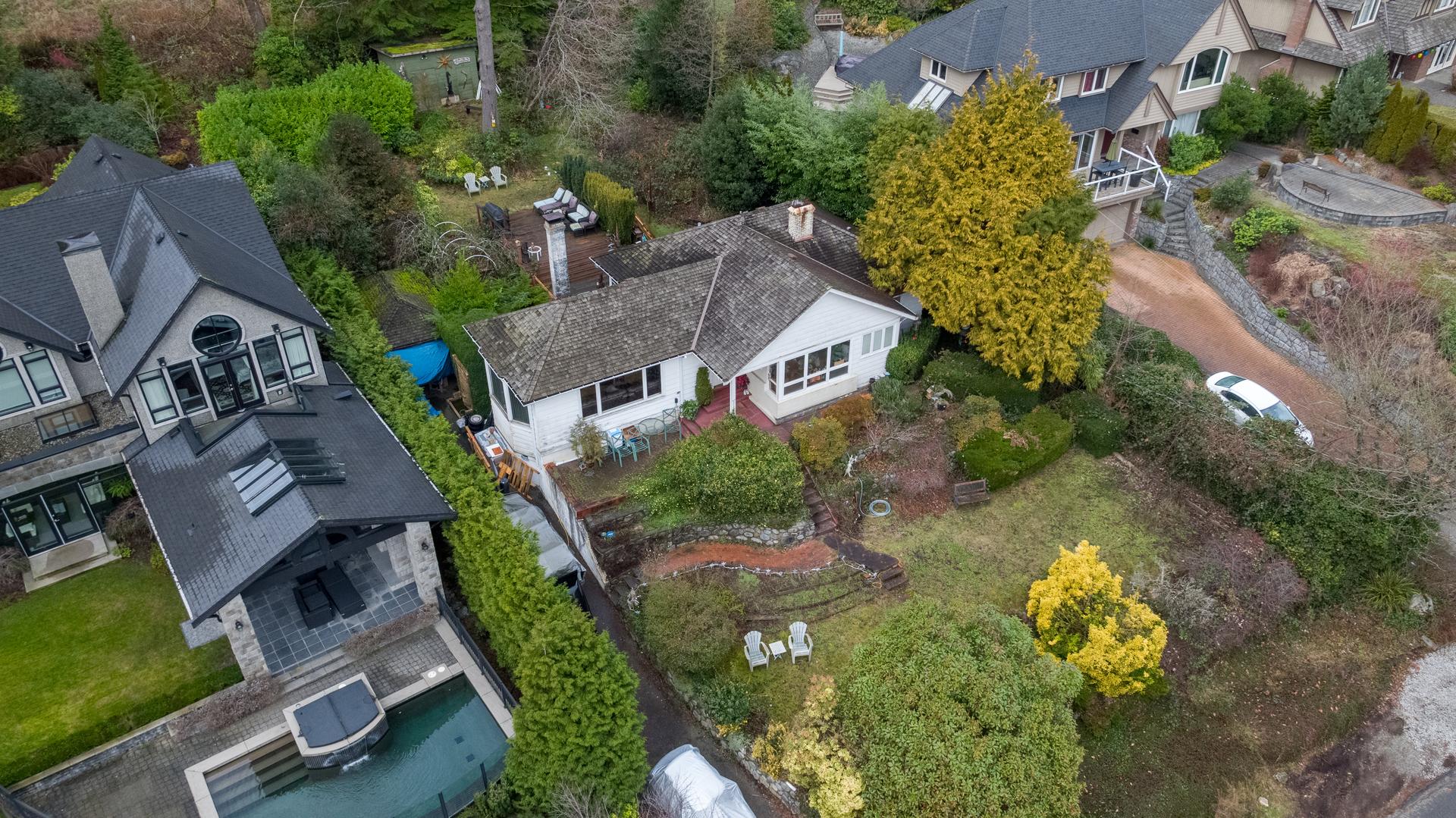 449-hillcrest-st-aerial-360hometours-05 at 449 Hillcrest Street, Westmount WV, West Vancouver