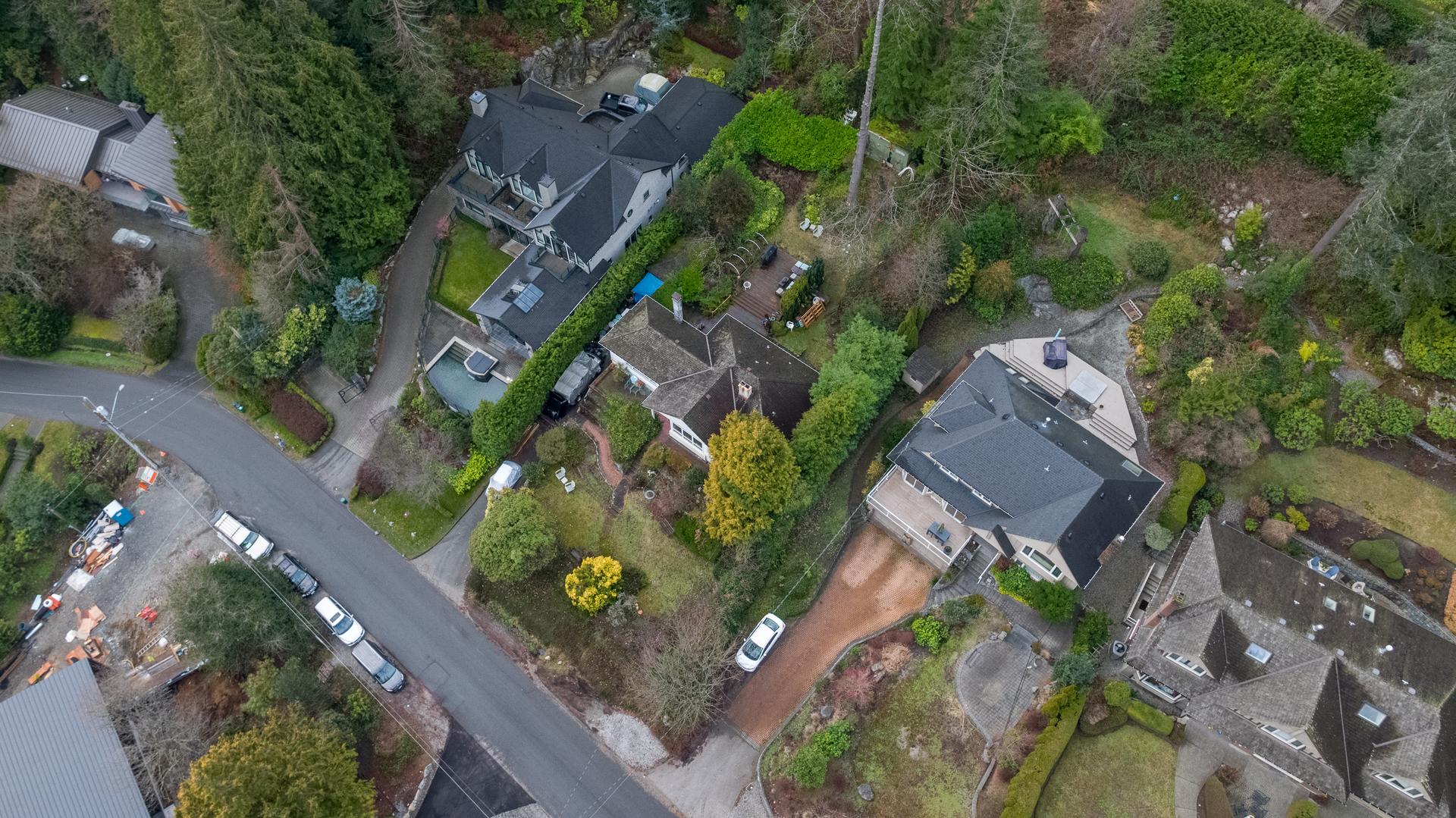 449-hillcrest-st-aerial-360hometours-08 at 449 Hillcrest Street, Westmount WV, West Vancouver