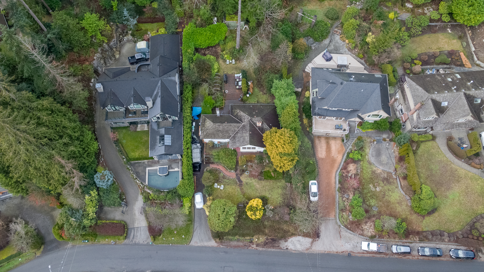 449-hillcrest-st-aerial-360hometours-09 at 449 Hillcrest Street, Westmount WV, West Vancouver