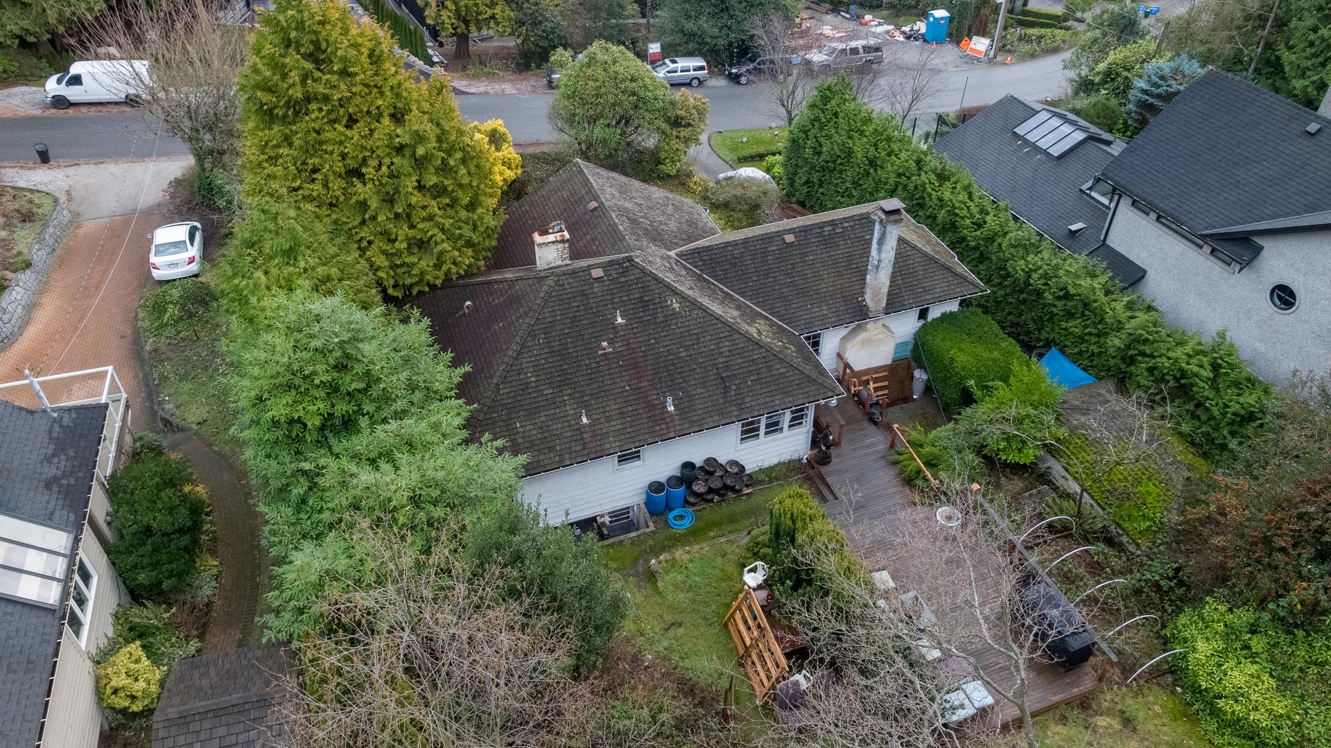 449-hillcrest-st-aerial-360hometours-14 at 449 Hillcrest Street, Westmount WV, West Vancouver