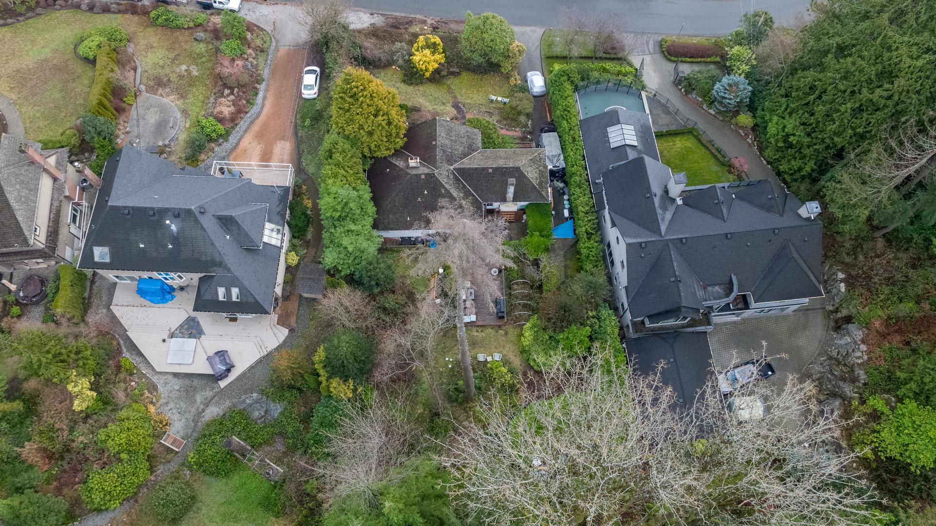 449-hillcrest-st-aerial-360hometours-17 at 449 Hillcrest Street, Westmount WV, West Vancouver