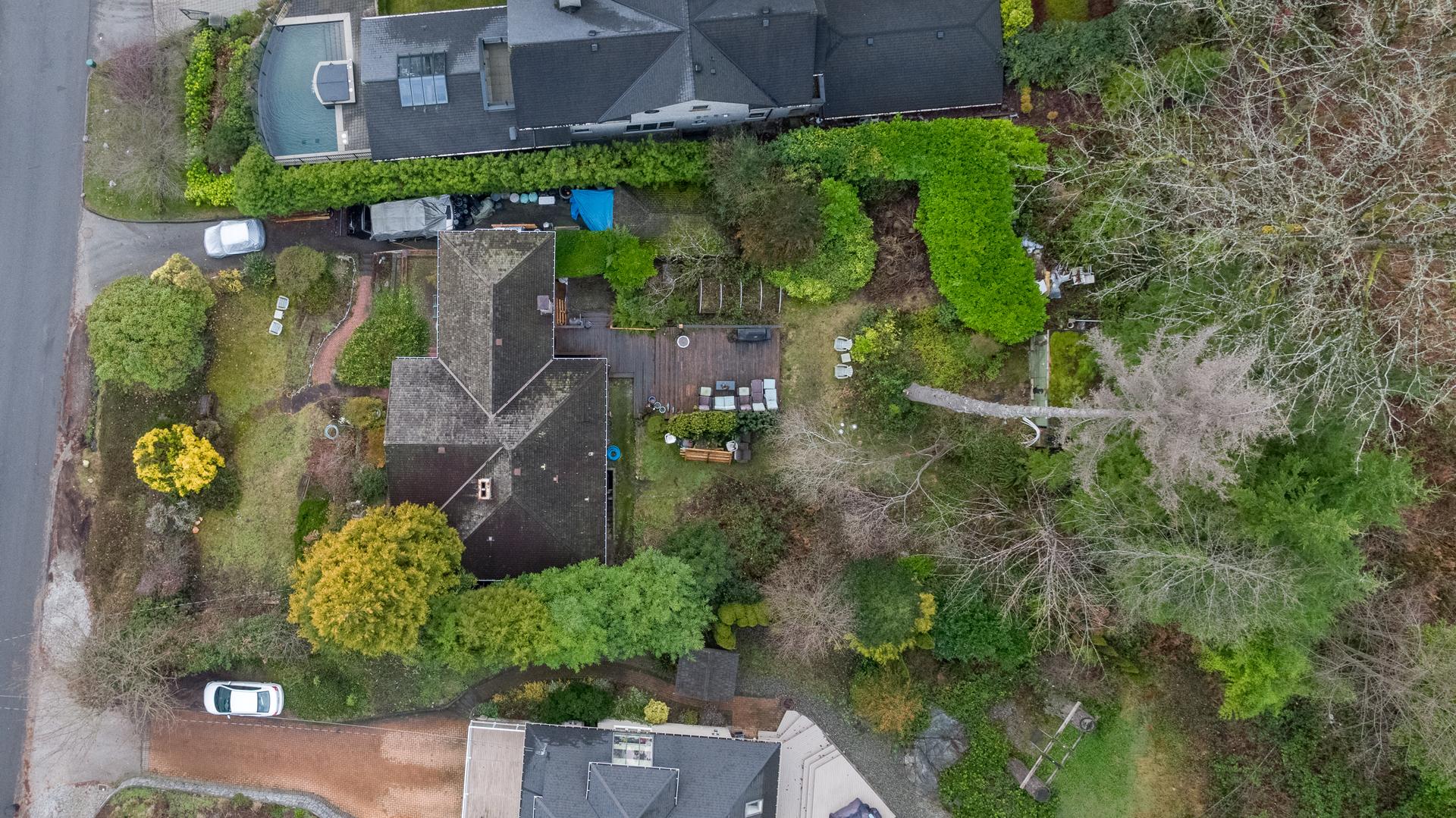 449-hillcrest-st-aerial-360hometours-20 at 449 Hillcrest Street, Westmount WV, West Vancouver