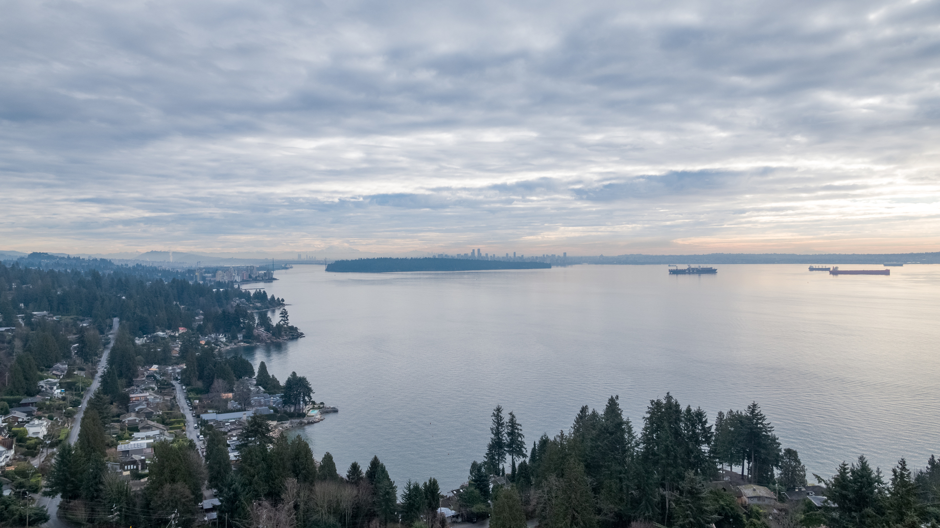 449-hillcrest-st-aerial-360hometours-21 at 449 Hillcrest Street, Westmount WV, West Vancouver