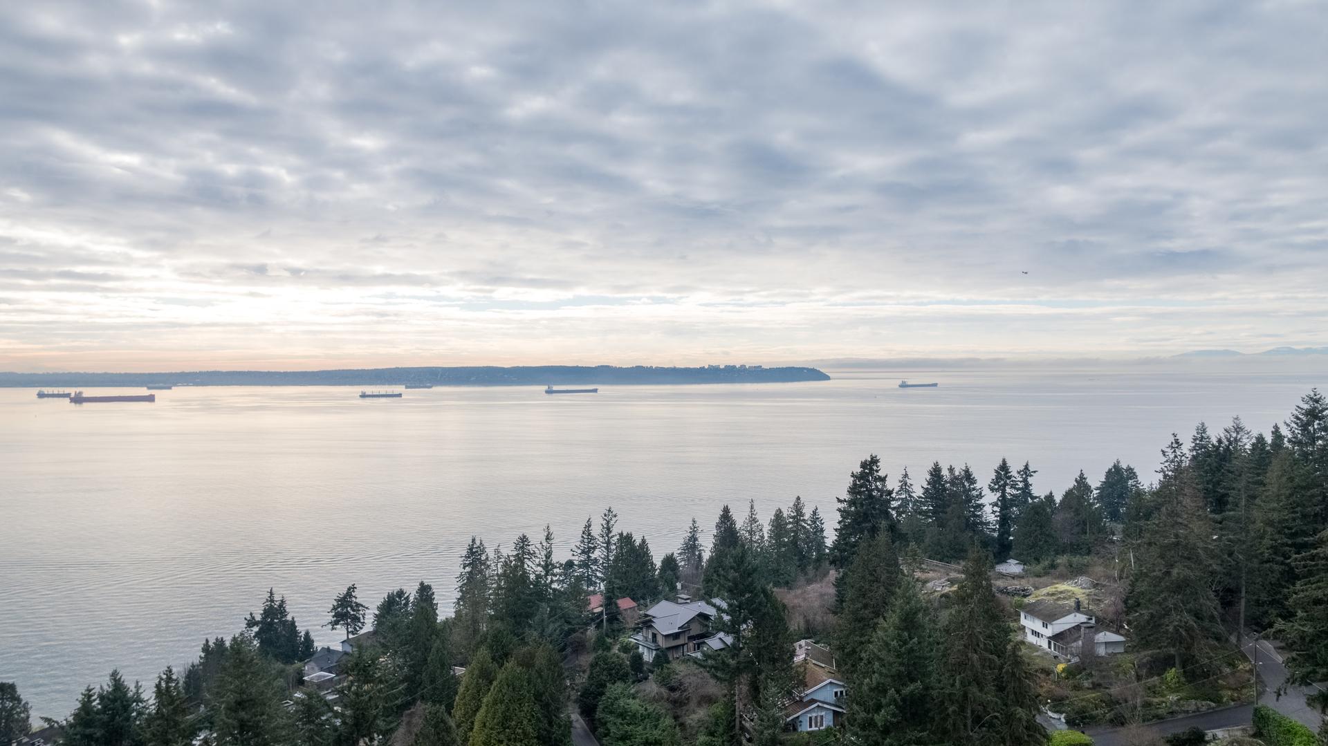 449-hillcrest-st-aerial-360hometours-23 at 449 Hillcrest Street, Westmount WV, West Vancouver