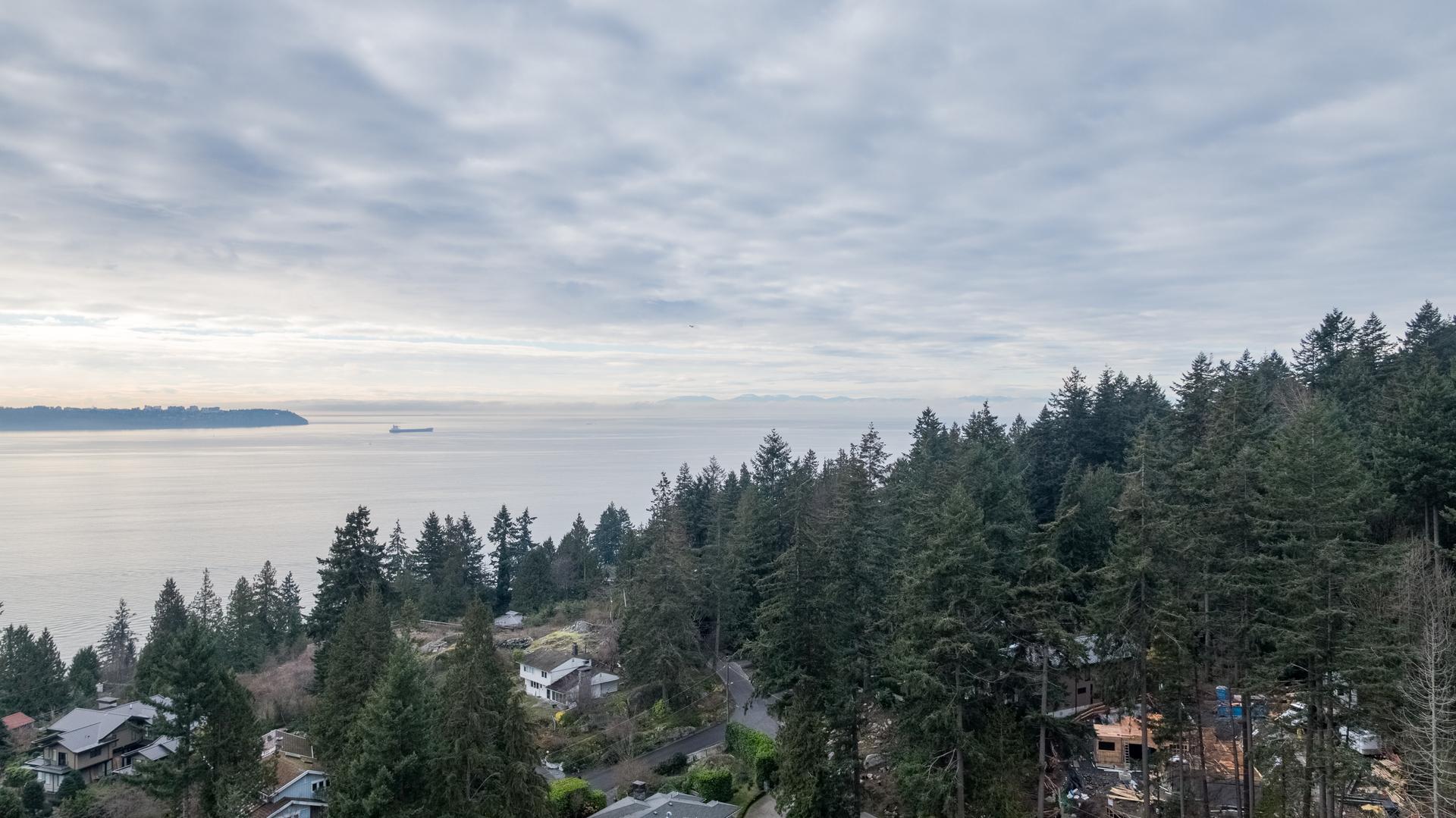 449-hillcrest-st-aerial-360hometours-24 at 449 Hillcrest Street, Westmount WV, West Vancouver
