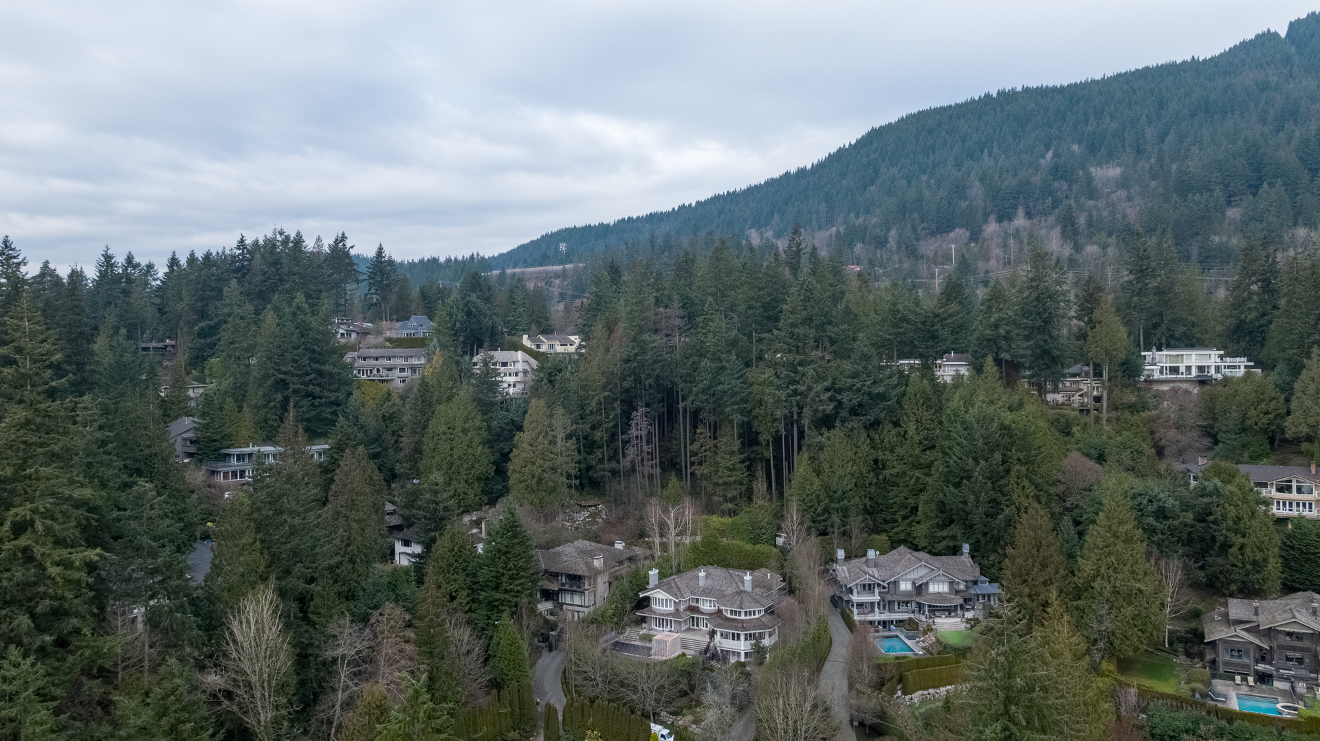 449-hillcrest-st-aerial-360hometours-27 at 449 Hillcrest Street, Westmount WV, West Vancouver