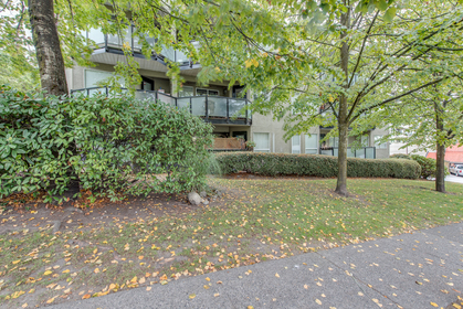 175_w_4th_st-360hometours-30 at 305 - 175 W 4th Street, Lower Lonsdale, North Vancouver