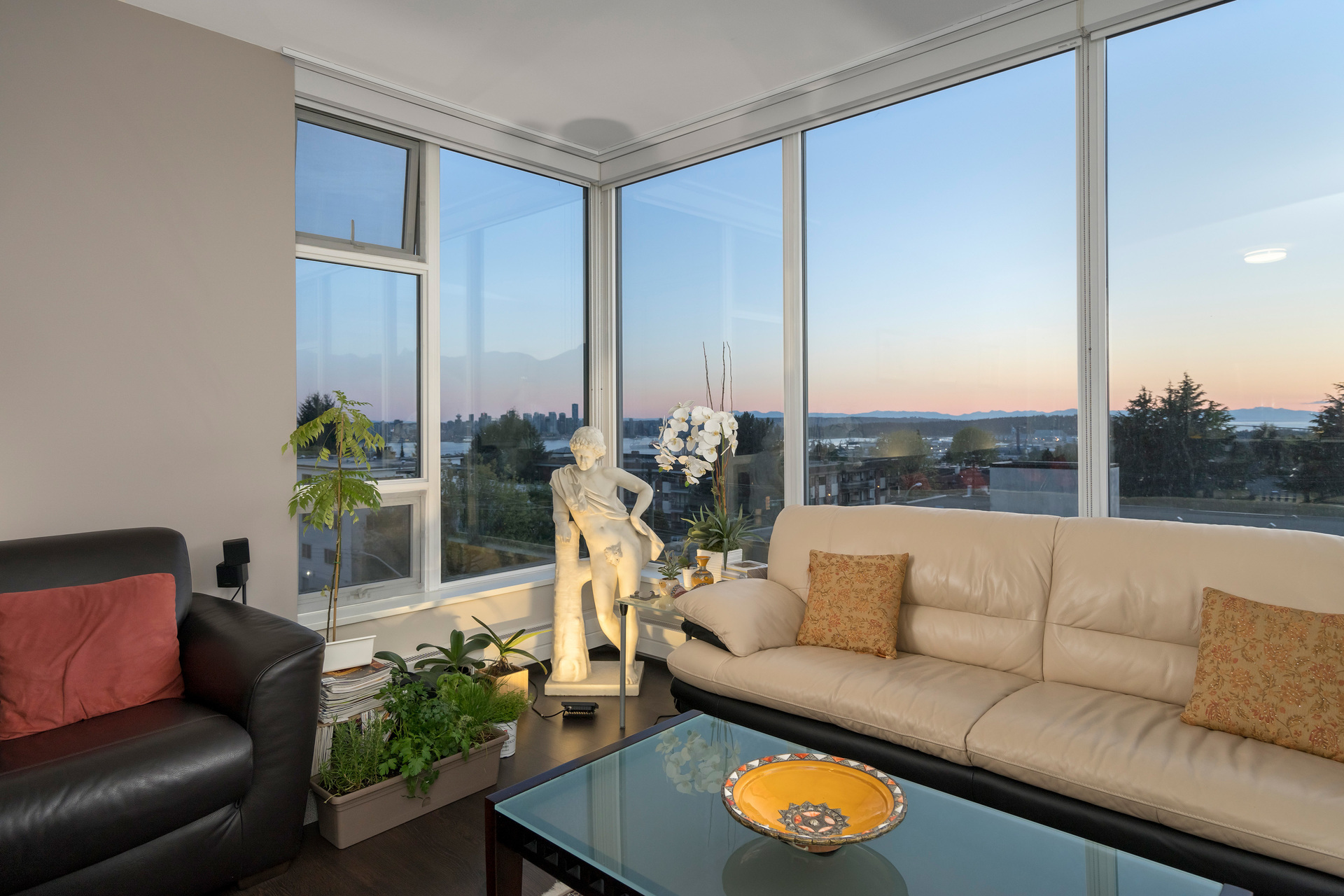 407-150-15th-st-w-360hometours-08 at 407 - 150 W 15th Street, Central Lonsdale, North Vancouver