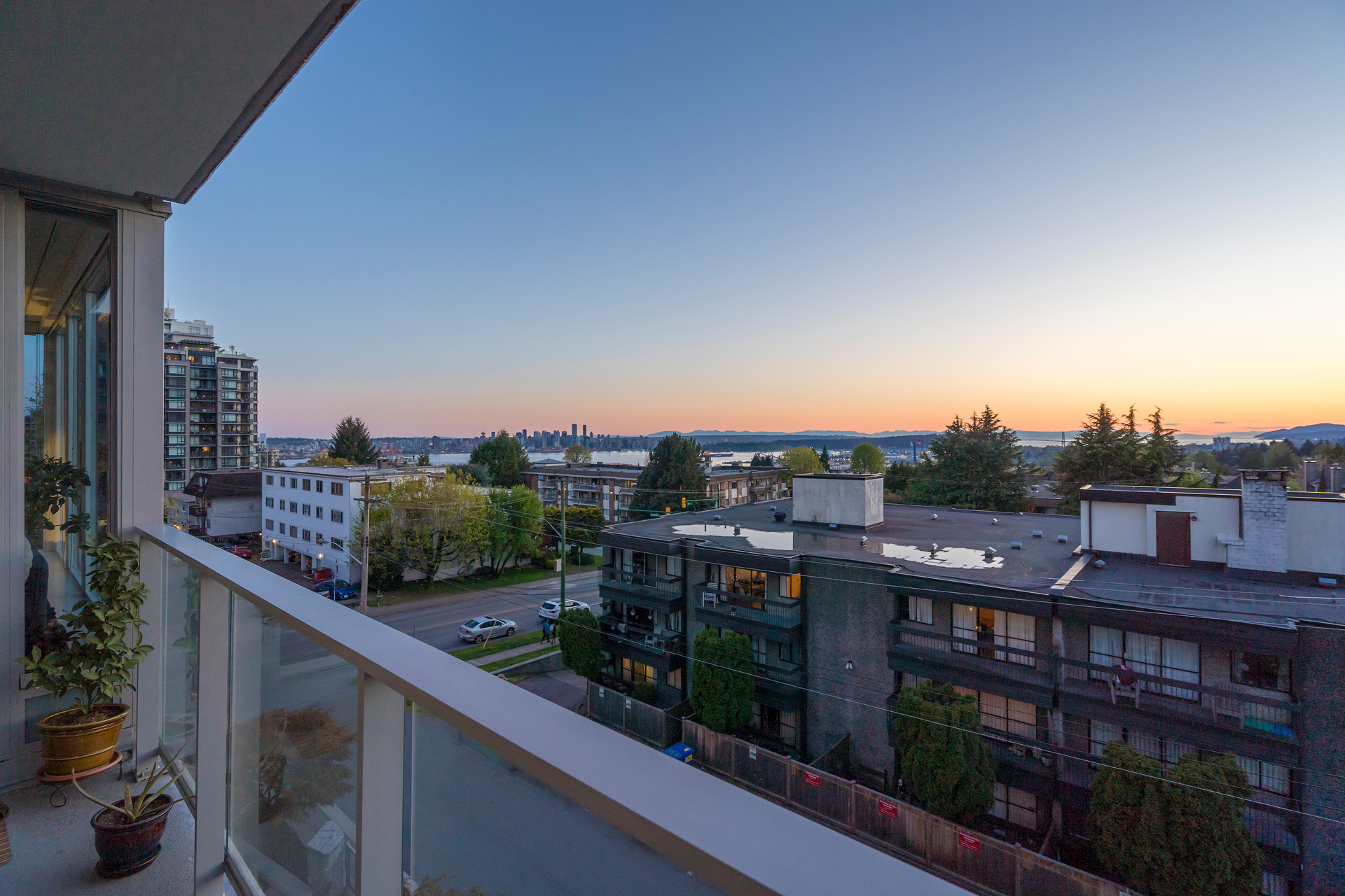 407-150-15th-st-w-360hometours-14 at 407 - 150 W 15th Street, Central Lonsdale, North Vancouver