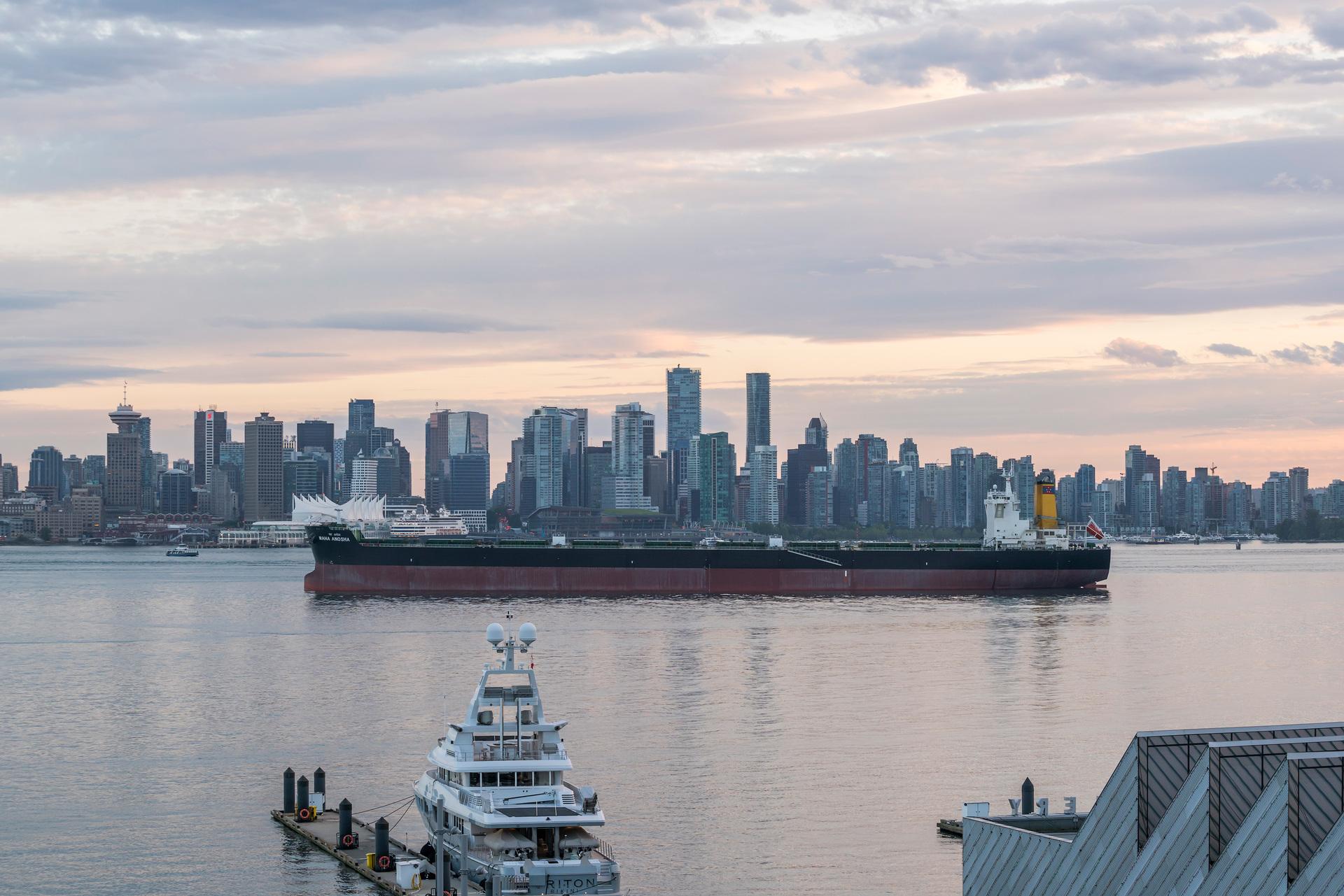 503-133-e-esplanade-ave-360hometours-25 at 503 - 133 E Esplanade, Lower Lonsdale, North Vancouver