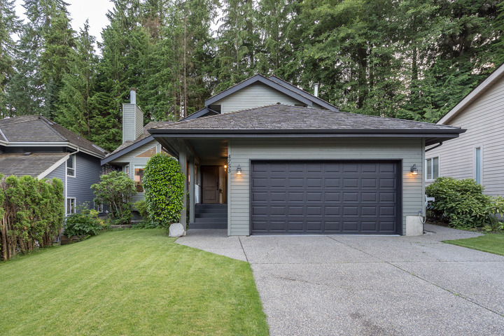 4748fe1 at 4753 Woodrow Crescent, Lynn Valley, North Vancouver