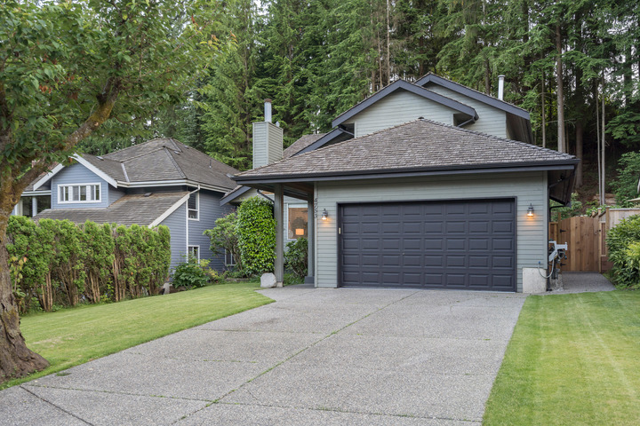 4791931 at 4753 Woodrow Crescent, Lynn Valley, North Vancouver