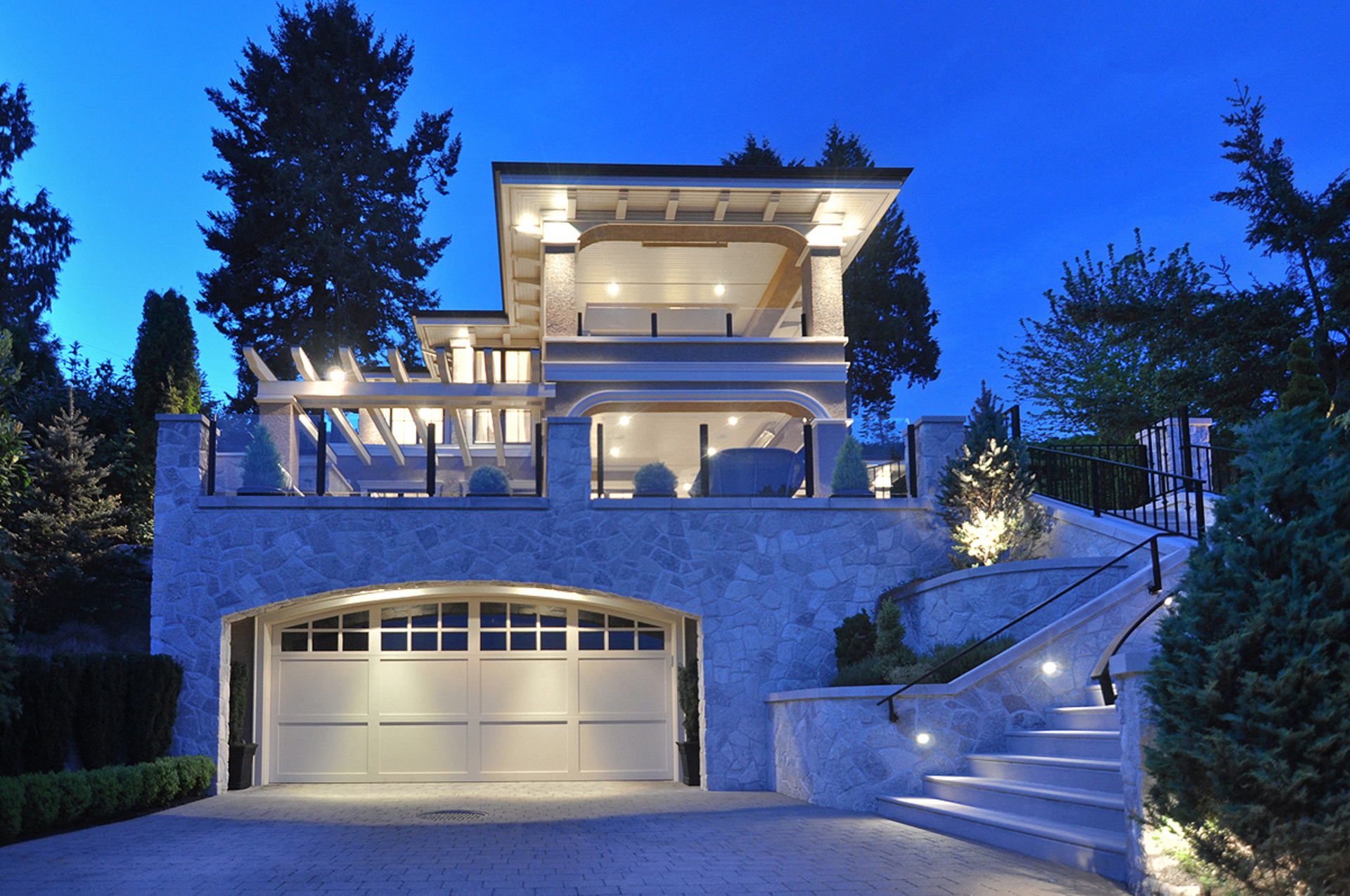 3363-mathers-avenue-west-vancouver-2