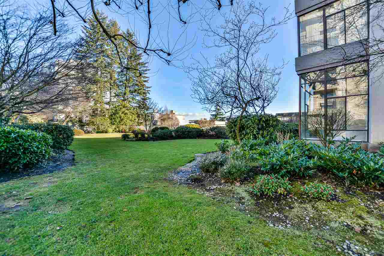 13.jpg at 802 - 1480 Duchess, Ambleside, West Vancouver