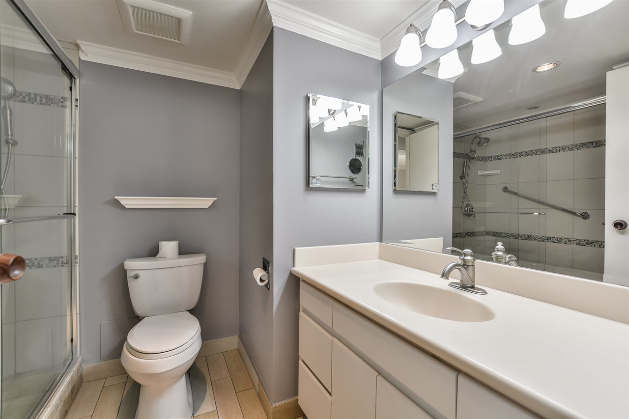 8.jpg at 802 - 1480 Duchess, Ambleside, West Vancouver