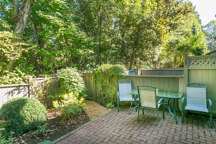 backyard at 4737 Cedarglen Place, Greentree Village, Burnaby South