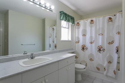 bathroom upper at 7589 Manzanita Place, Burnaby East