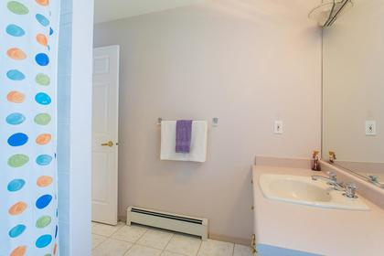 bathroom upper at 720 Anderson Cresent, Sentinel Hill, West Vancouver