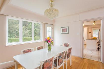 dining room L at 720 Anderson Cresent, Sentinel Hill, West Vancouver