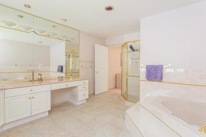 master ensuite at 720 Anderson Cresent, Sentinel Hill, West Vancouver
