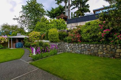 matured garden at 350 N Hythe Avenue, Capitol Hill BN, Burnaby North