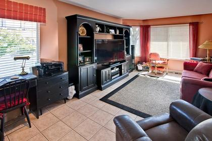 family room at #126 - 20391 96th Avenue, Walnut Grove, Langley