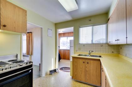 262163297-6 at 4868 Smith Avenue, Central Park BS, Burnaby South